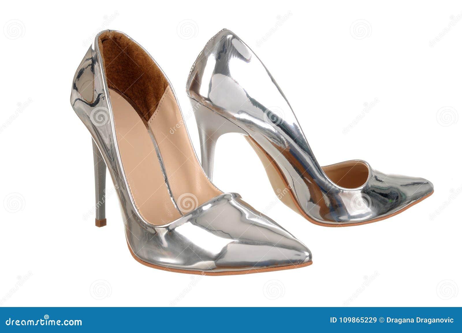 c256368bf0b Ασημένια υψηλά παπούτσια γυναικών τακουνιών Στοκ Εικόνα - εικόνα από ...