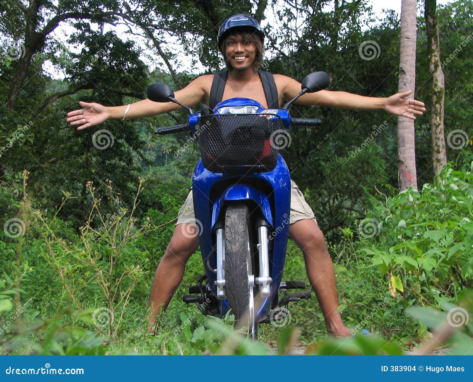 ασιατική μοτοσικλέτα ζ&omicron