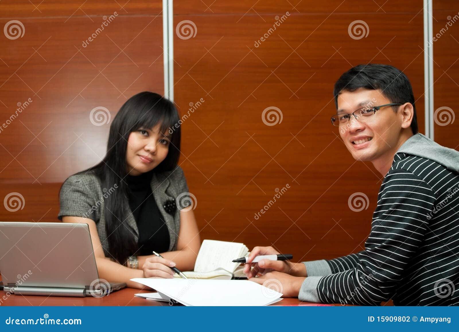 ασιατική ομαδική εργασί&alph