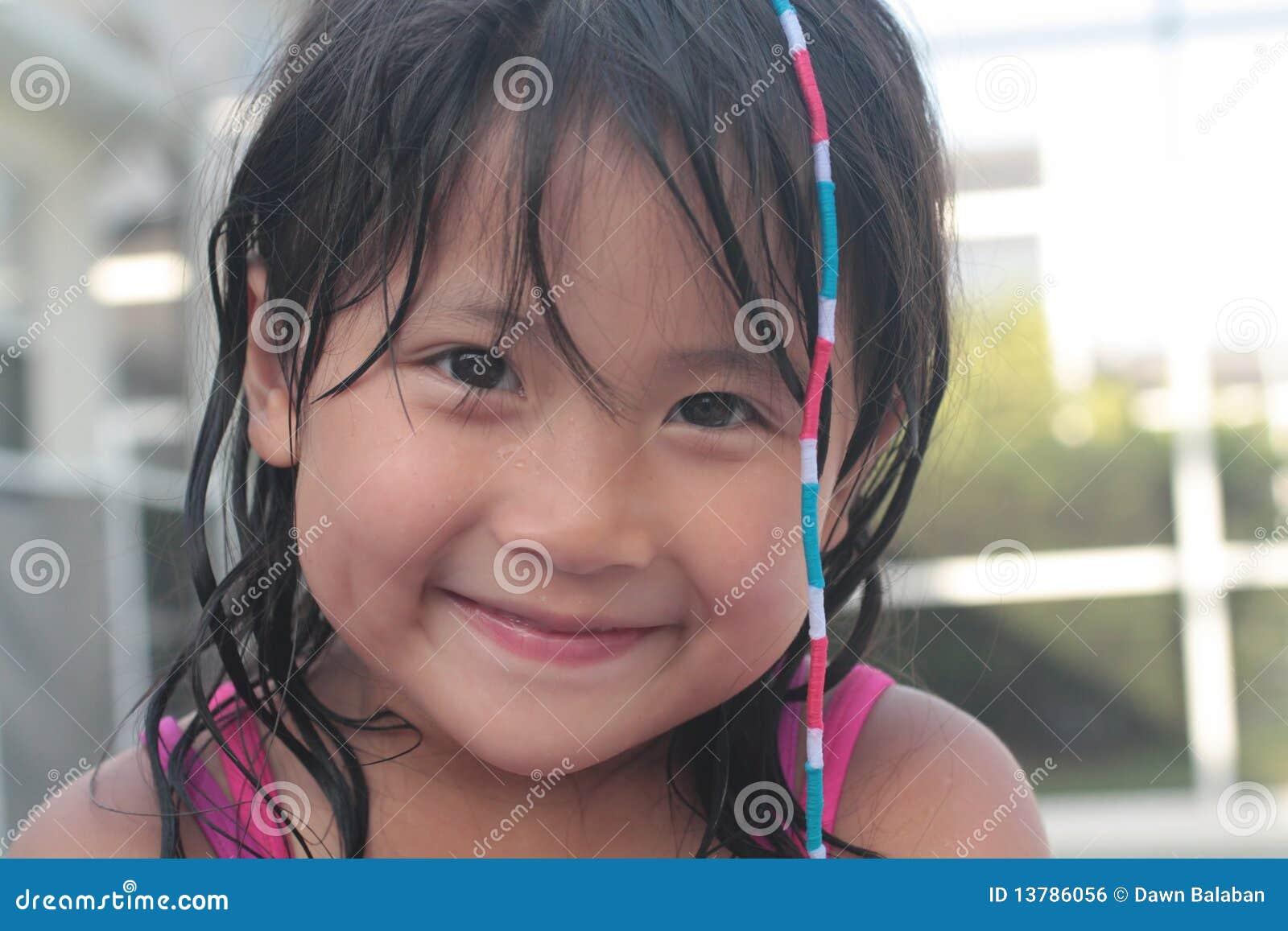 ασιατικό χαριτωμένο κορίτ&s