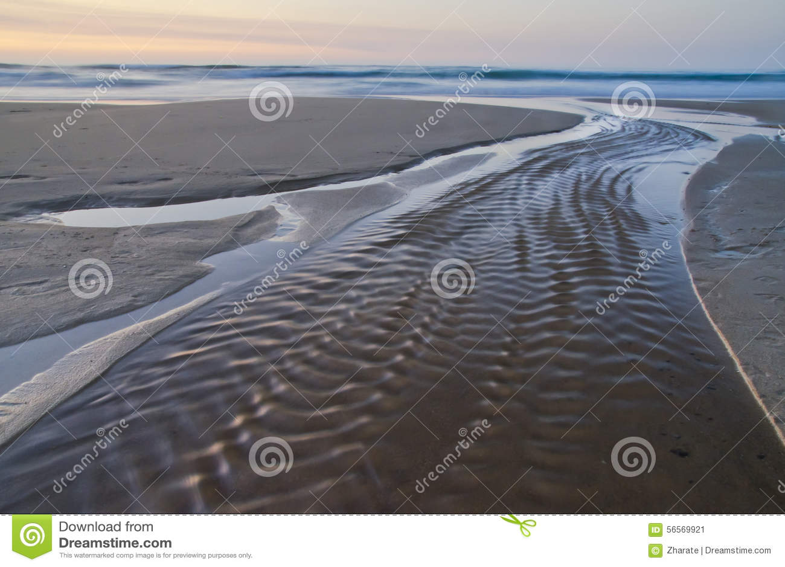 Download ατλαντικό ηλιοβασίλεμα & στοκ εικόνα. εικόνα από θάλασσα - 56569921
