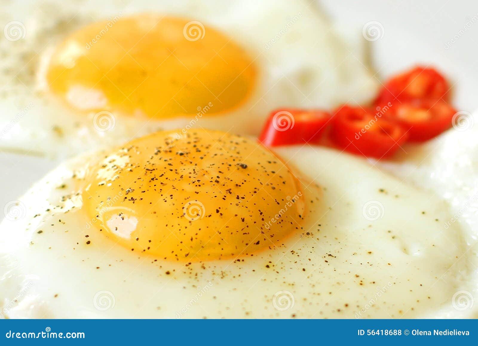 αυγά που τηγανίζονται