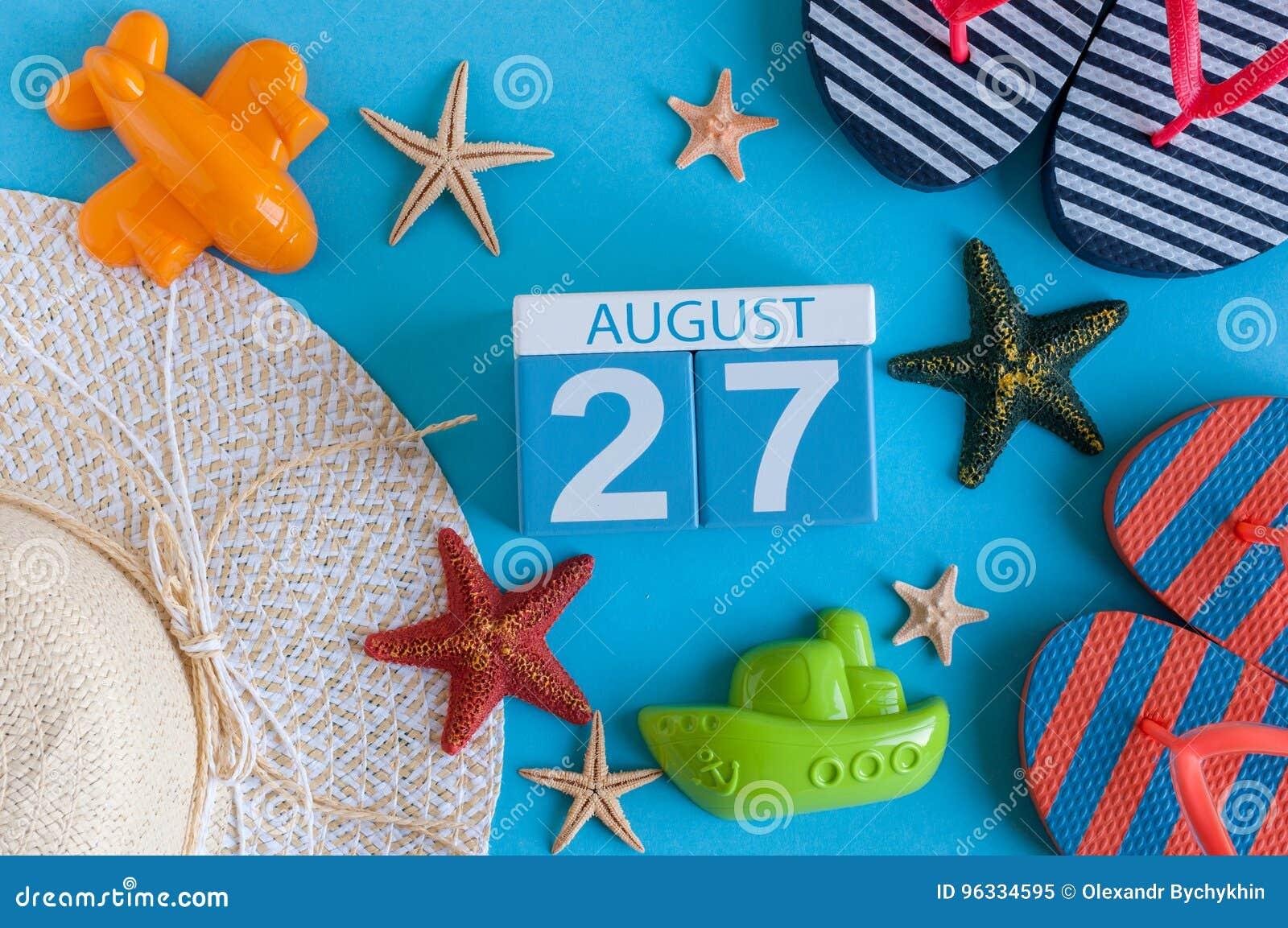 27 Αυγούστου Εικόνα του ημερολογίου της 27ης Αυγούστου με τα εξαρτήματα θερινών παραλιών και της ταξιδιωτικής εξάρτησης στο υπόβα