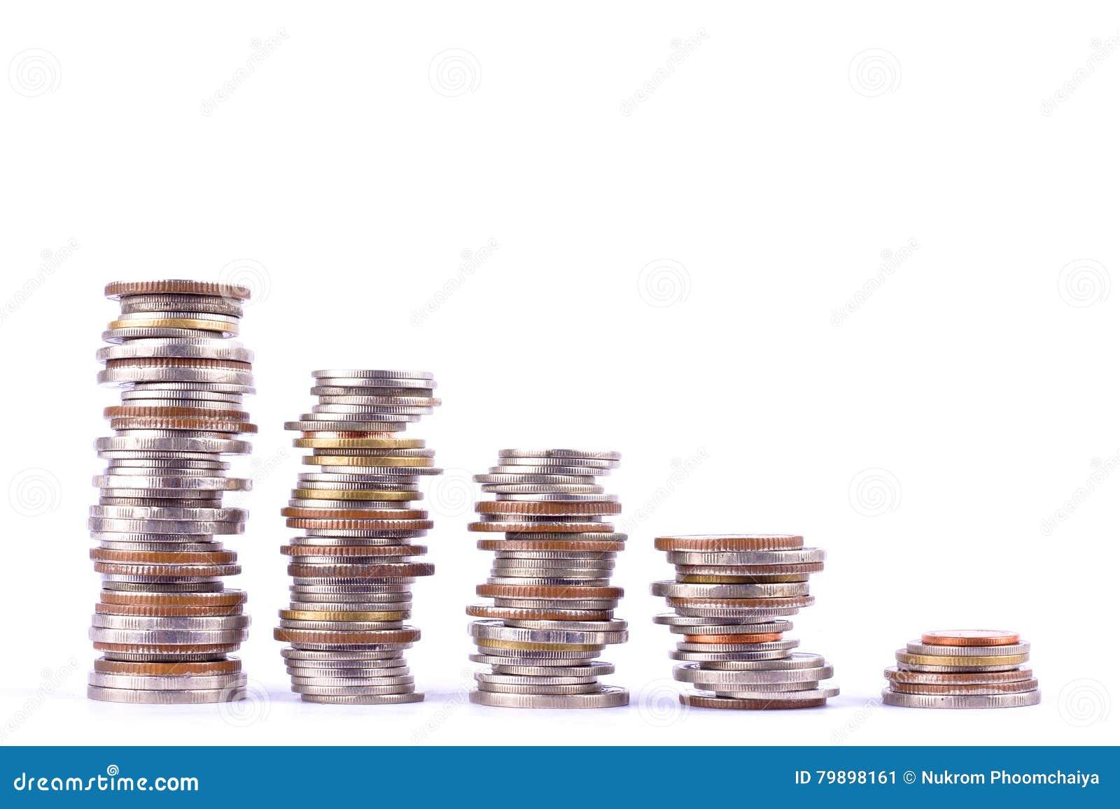 Αυξανόμενος τη γραφική παράσταση χρημάτων σε μια σειρά του νομίσματος και το σωρό των νομισμάτων λουτρών συσσωρεύστε στην άσπρη ε