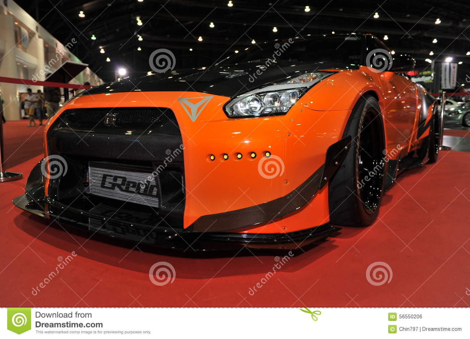 Download Αυτοκίνητο οριζόντων R35 GT-ρ της Nissan στο 3$ο διεθνές Autosalon 2015 της Μπανγκόκ στις 27 Ιουνίου 2015 στη Μπανγκόκ, Thailan Εκδοτική Εικόνες - εικόνα από makeup, κορίτσι: 56550206