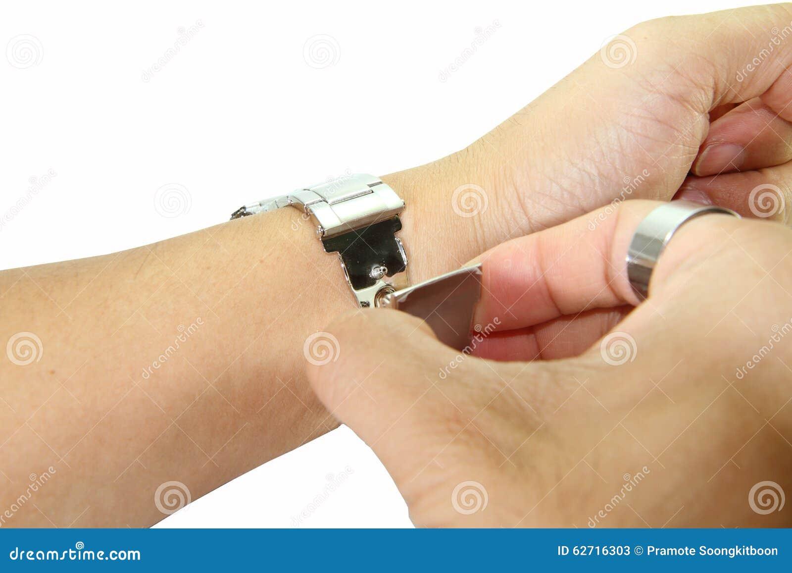 Αφαιρέστε το ρολόι από τον καρπό