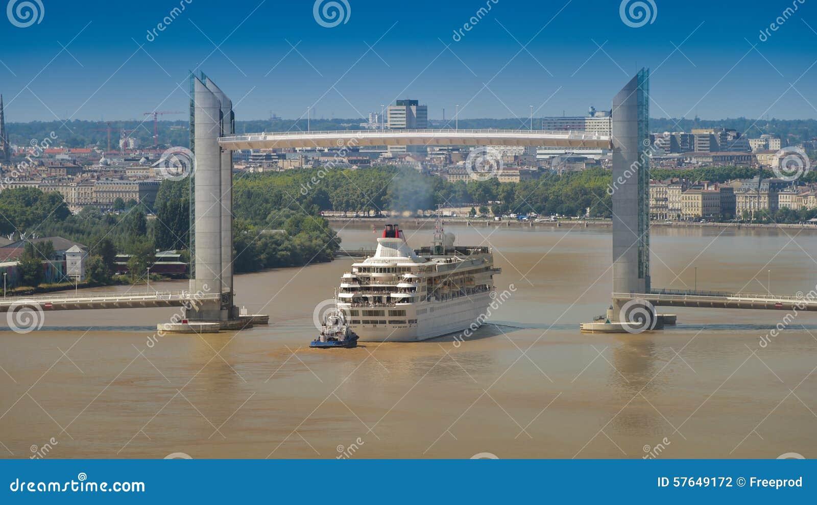 Βάρκα κρουαζιέρα-Γαλλία, Aquitaine, Gironde, 33, Μπορντώ Bastide, Λα