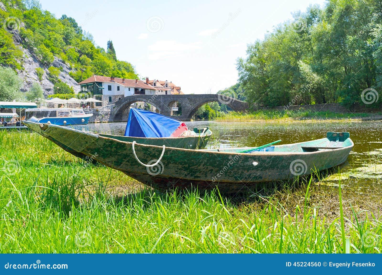 βάρκα 2 ξύλινη