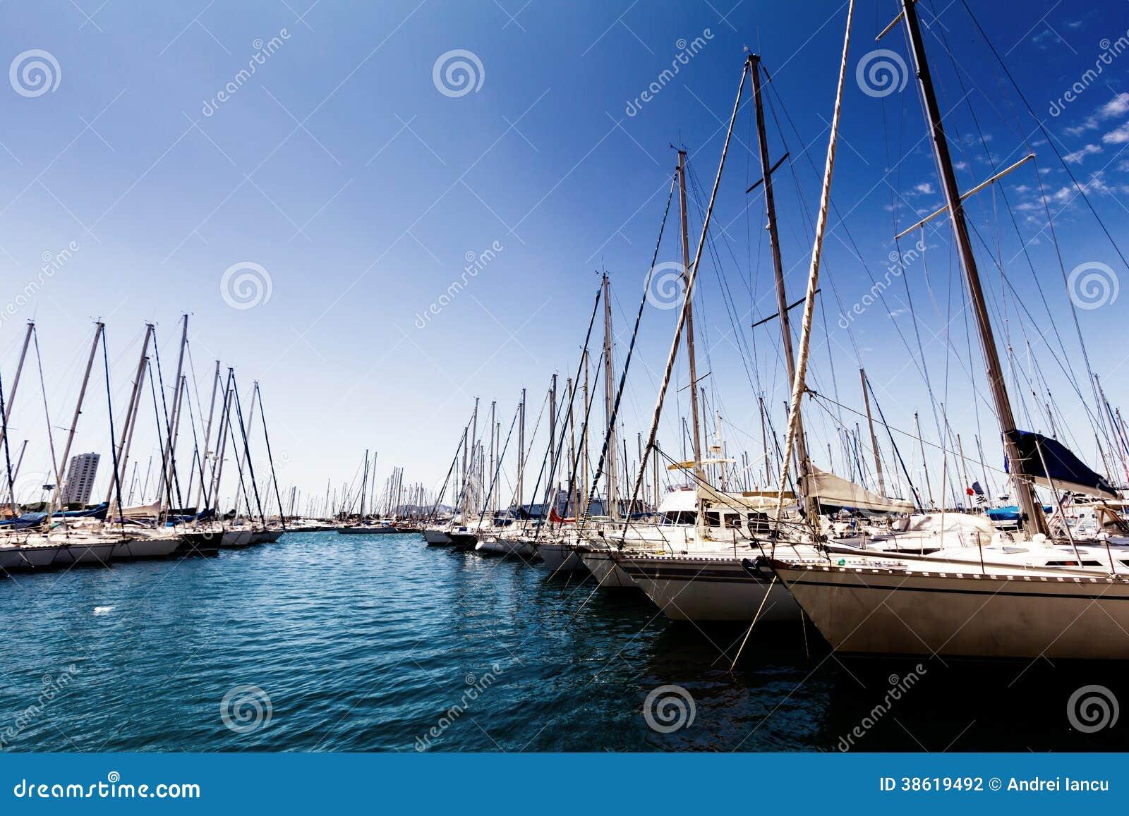 Βάρκες πανιών