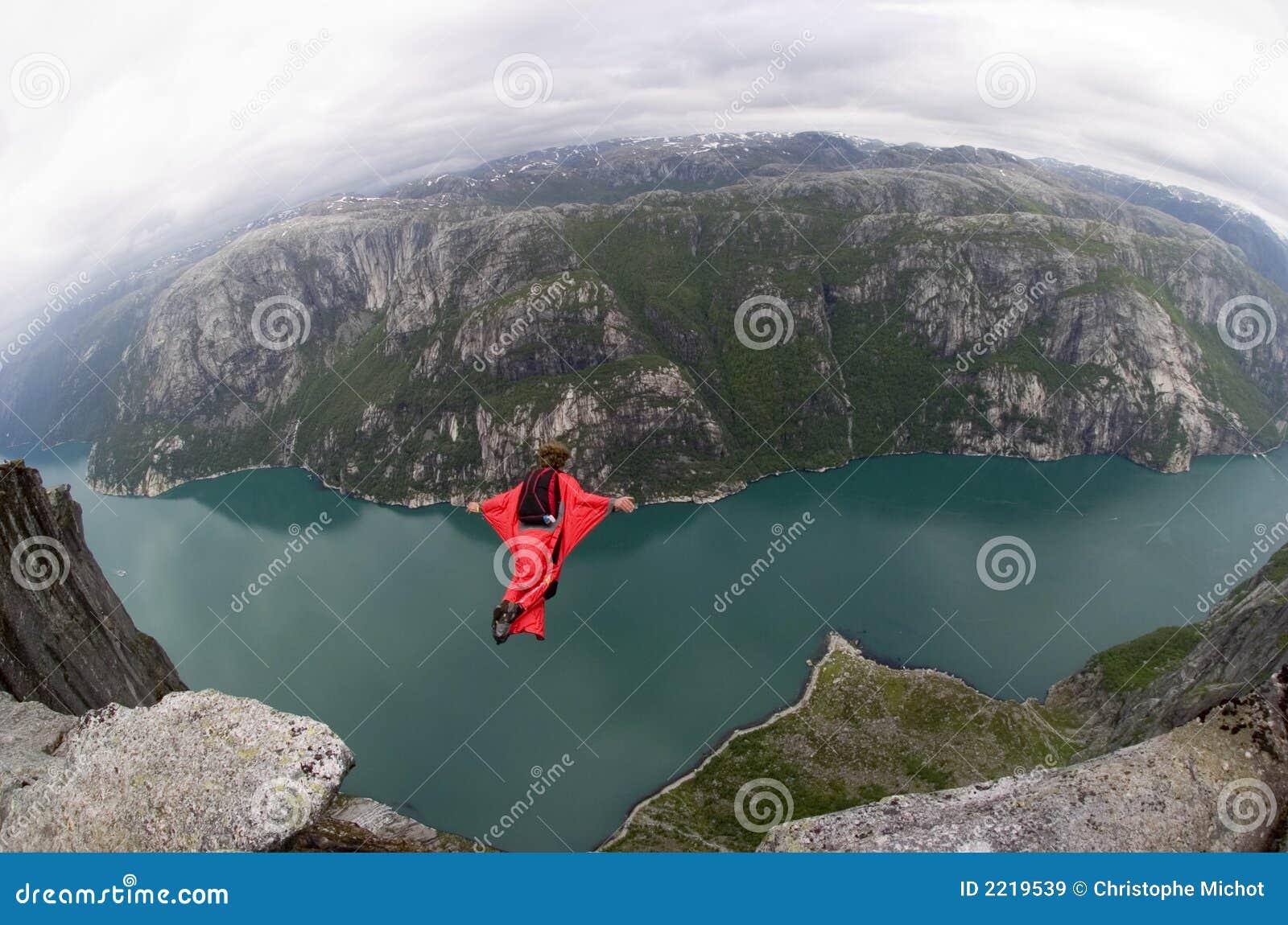 βάση που πηδά τη Νορβηγία