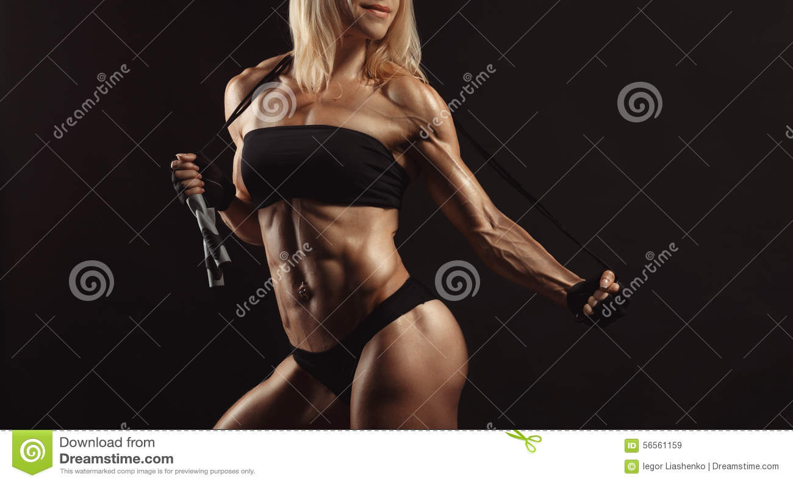 Download Βέβαιο νέο μυϊκό θηλυκό ικανότητας Στοκ Εικόνα - εικόνα από αθλητών, μυς: 56561159