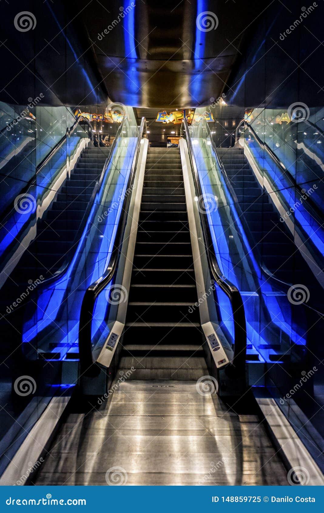 Βαρκελώνη Ισπανία, κυλιόμενη σκάλα ενυδρείων, ενυδρείο