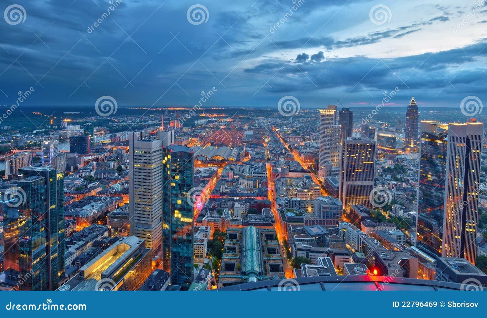 βασική νύχτα της Φρανκφούρτης