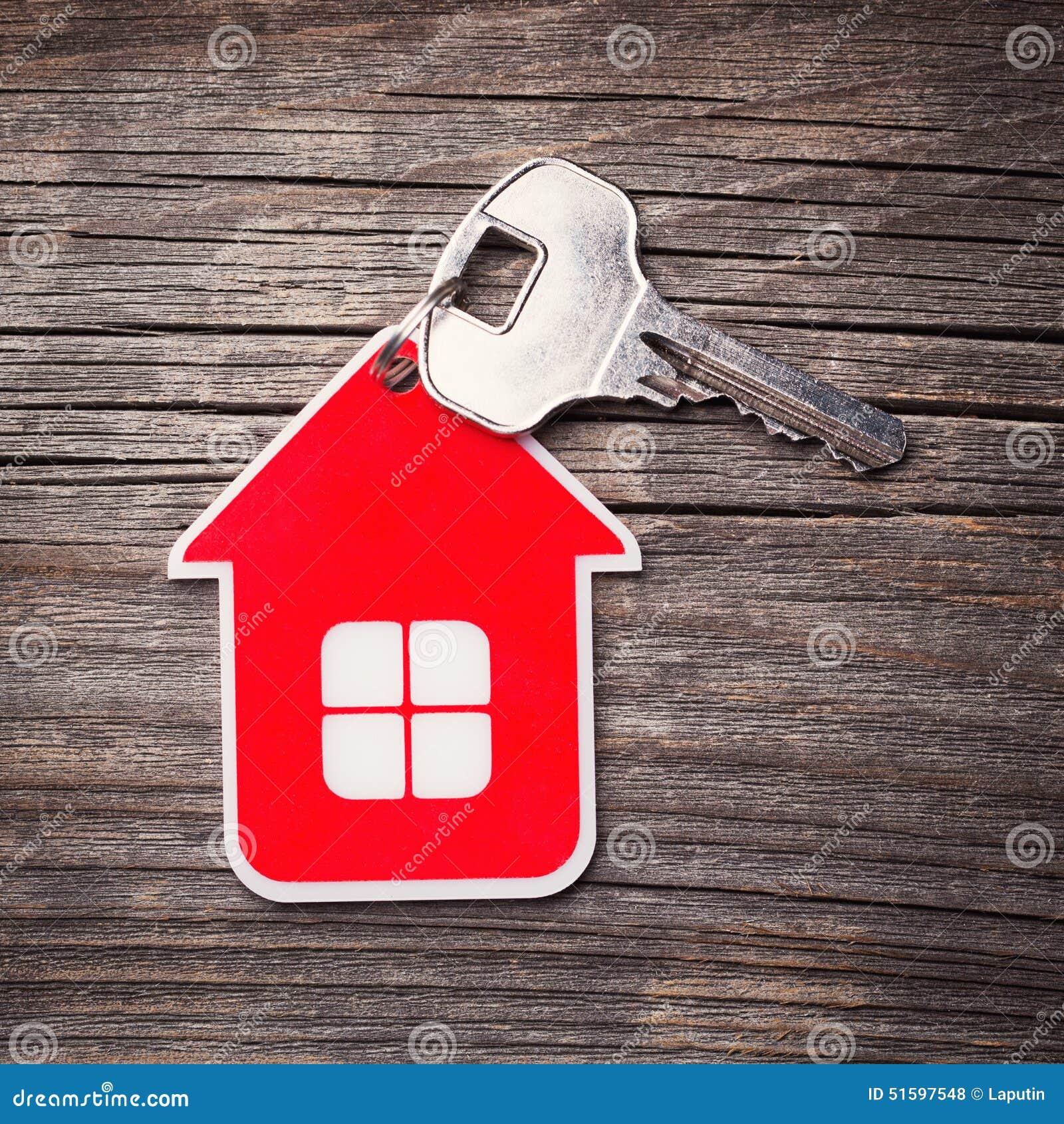 Βασικό και κόκκινο σπίτι