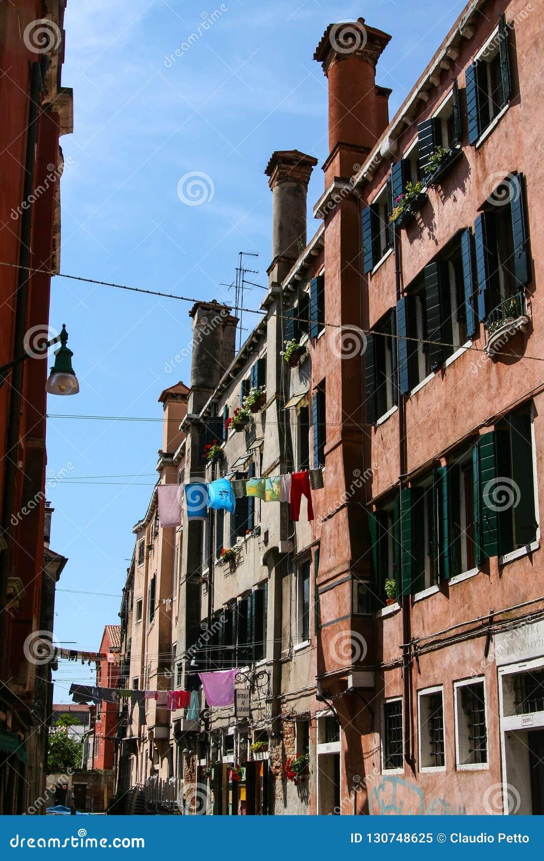 Βενετία, calle και σπίτια