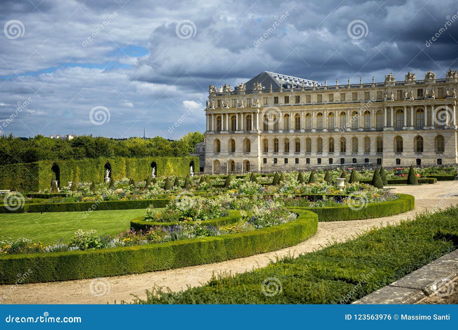 ΒΕΡΣΑΛΛΙΕΣ, ΓΑΛΛΙΑ η Royal Palace και κήπος στις Βερσαλλίες