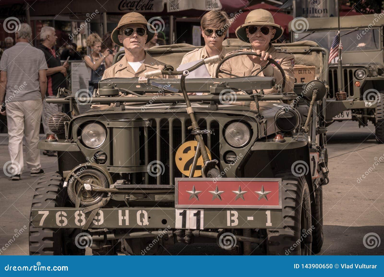 Βιέννη/Αυστρία/στις 25 Σεπτεμβρίου 2017: Οδηγώντας στρατιωτικό όχημα ανώτερων υπαλλήλων στρατού