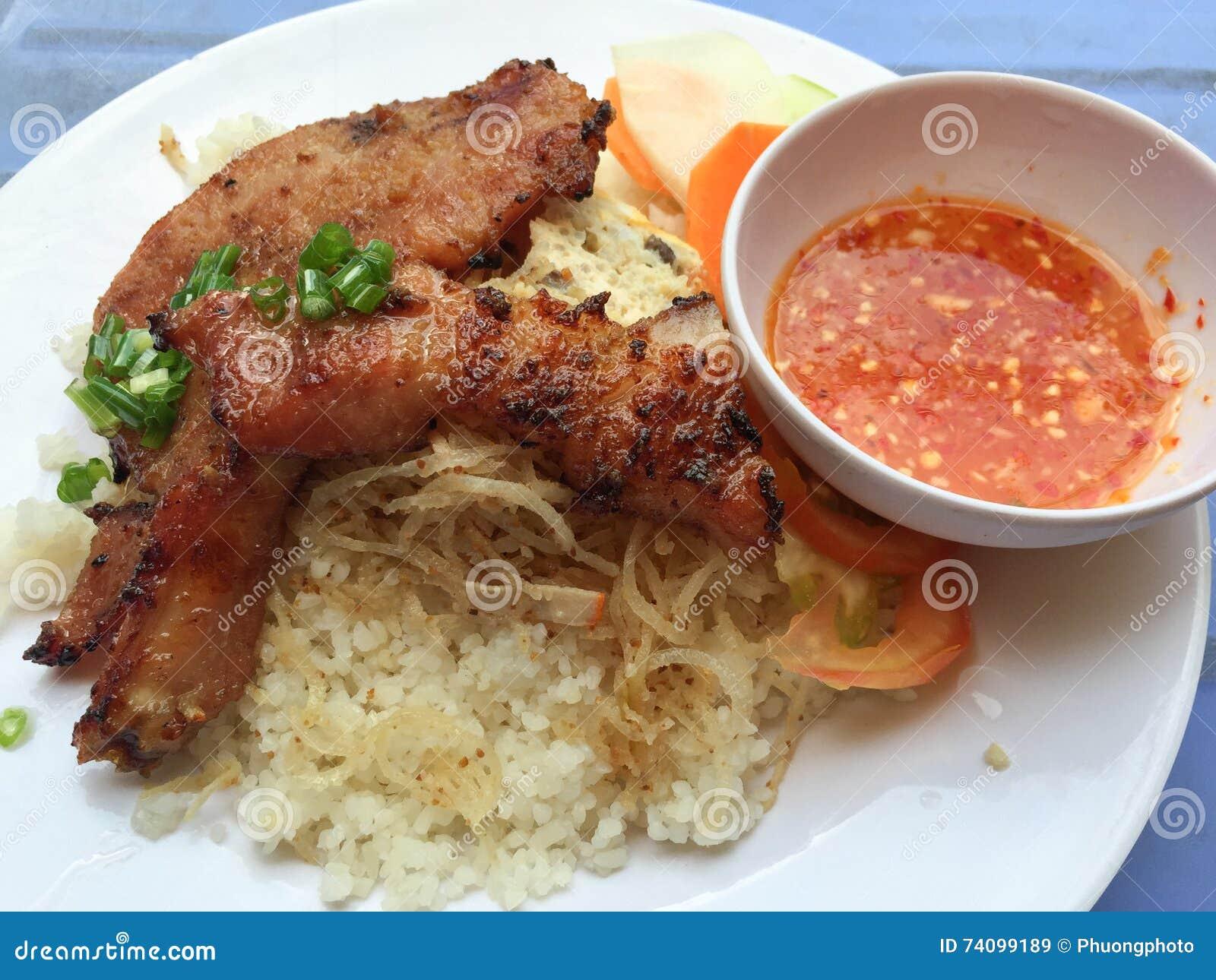 Βιετναμέζικη σπασμένη ρύζι ή COM tam