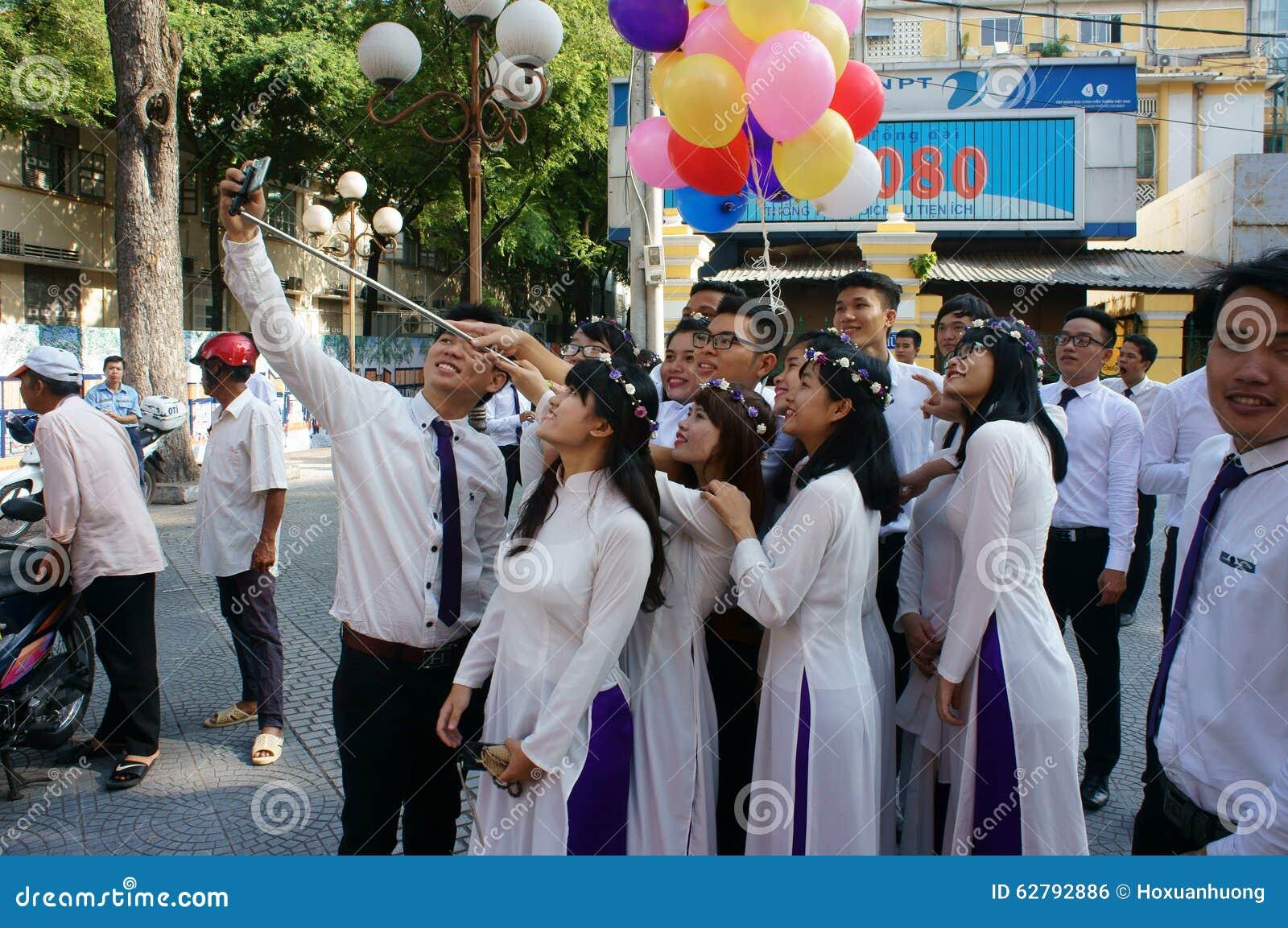 Βιετναμέζικος σπουδαστής, dai AO, καθεδρικός ναός Saigon Notre Dame