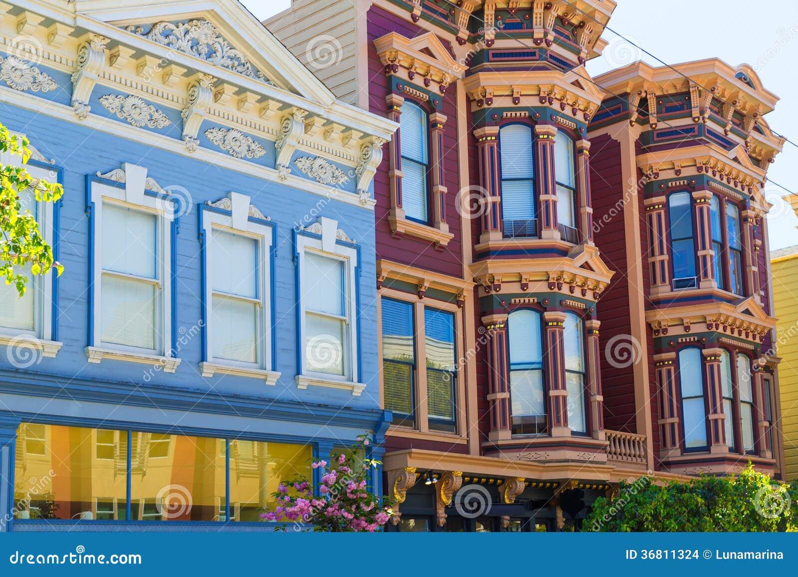 Βικτοριανά σπίτια του Σαν Φρανσίσκο στα ειρηνικά ύψη Καλιφόρνια