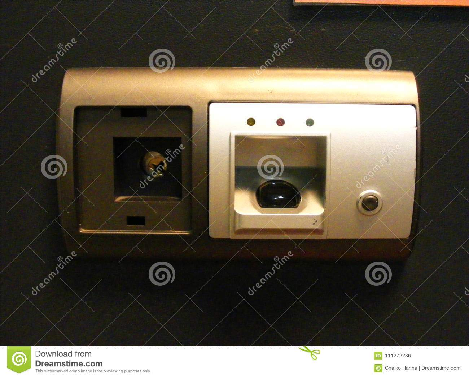 Βιομετρική ασφαλής κλειδαριά, ανίχνευση δακτυλικών αποτυπωμάτων και κωδικός πρόσβασης