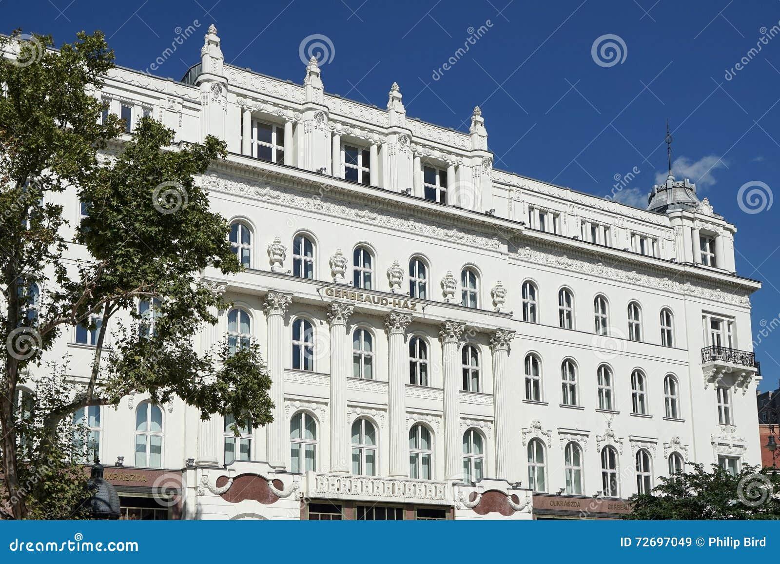 ΒΟΥΔΑΠΕΣΤΗ, HUNGARY/EUROPE - 21 ΣΕΠΤΕΜΒΡΊΟΥ: Καφές Gerbeaud σε Budap
