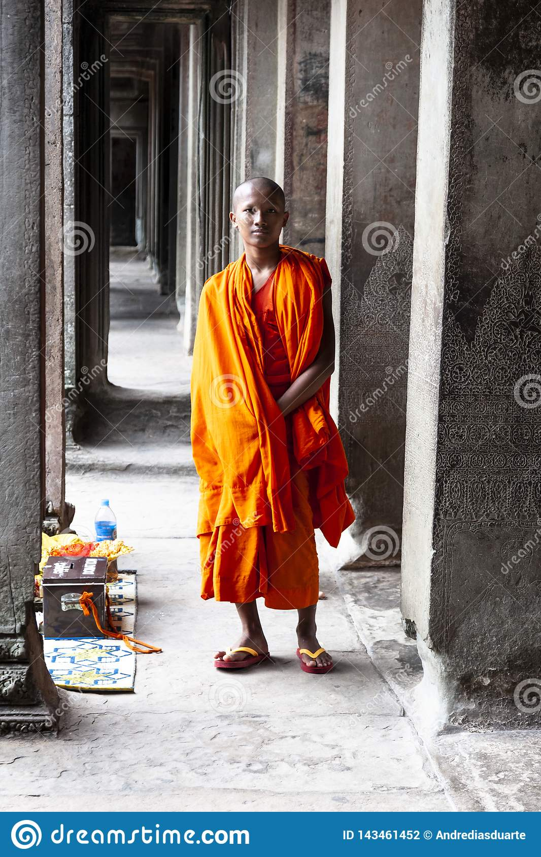 Βουδιστική τοποθέτηση μοναχών για την εικόνα