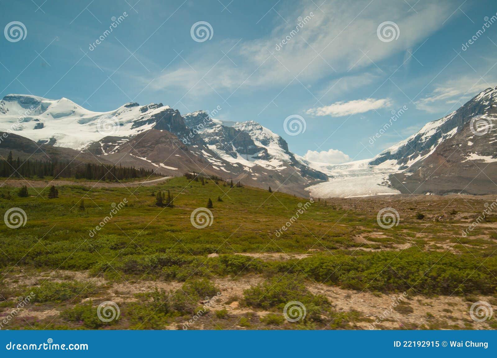 βουνά παγετώνων χιονώδη