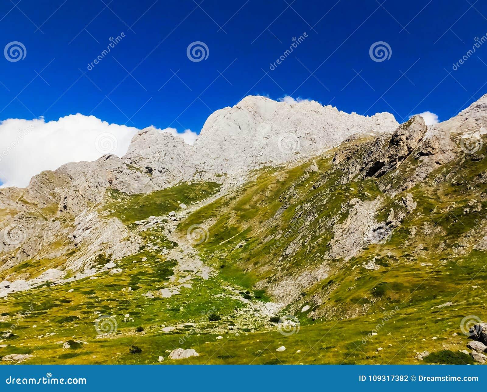 Βουνά ` Gran Sasso `, νότια Ιταλία