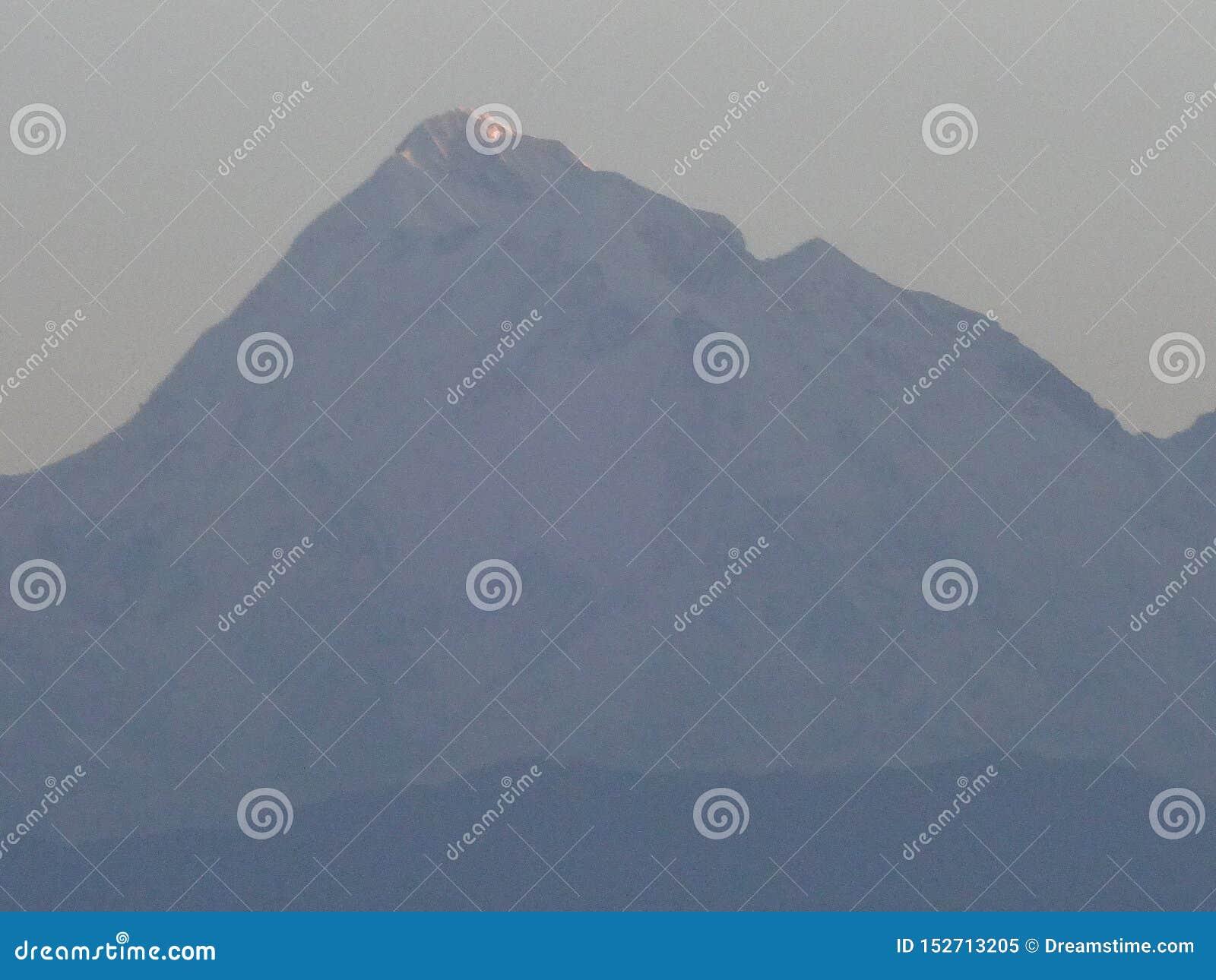 Βουνό κάλυψης χιονιού