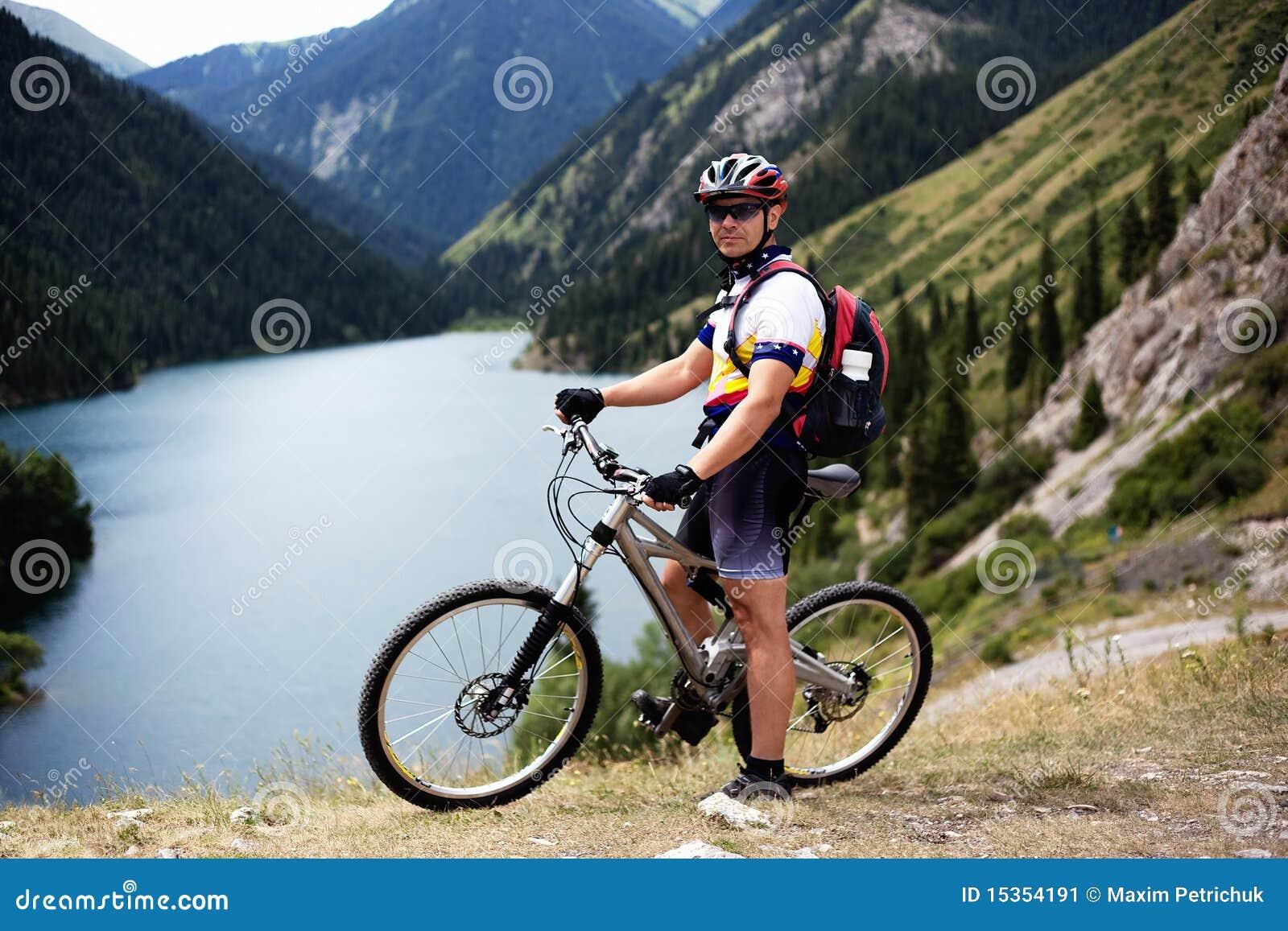 βουνό λιμνών ποδηλατών