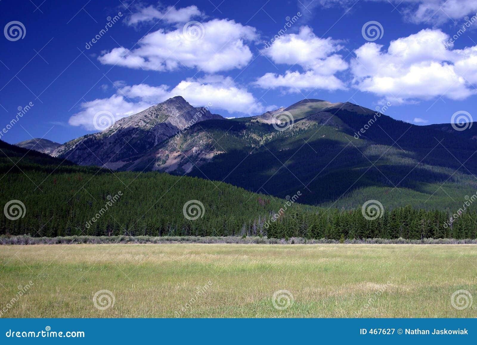βουνό πεδίων δύσκολο