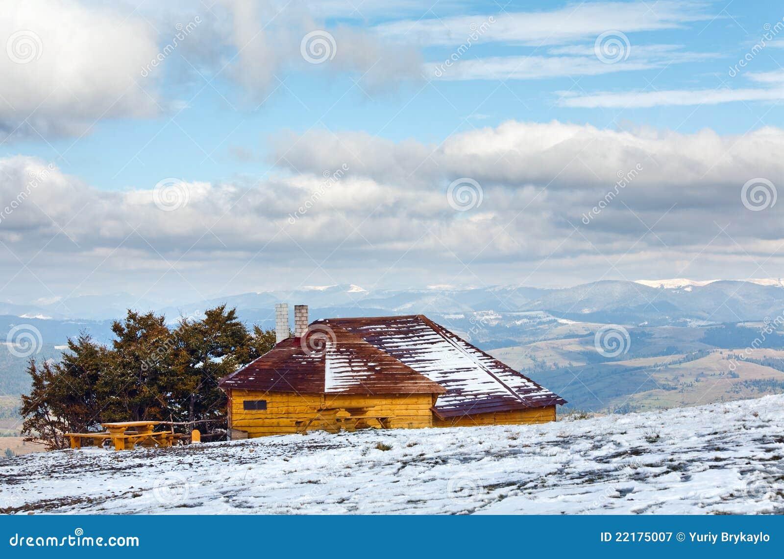 βουνό σπιτιών λόφων φθινοπώ&rho