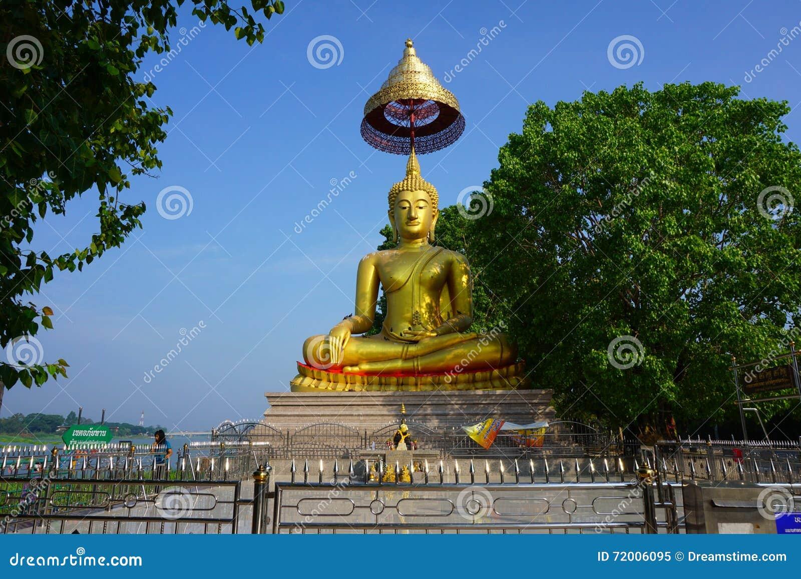 Βούδας κοντά στον ποταμό Chao Phraya