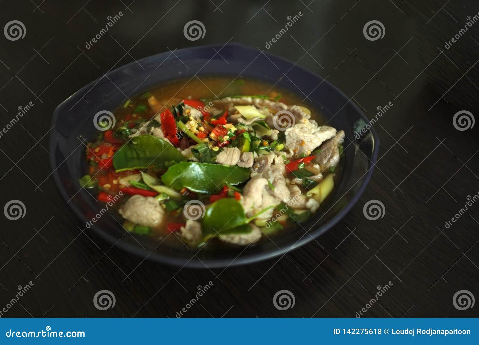 Βρασμένο χοιρινό κρέας με το σκόρδο ασβέστη και τη σάλτσα τσίλι (NAO (Εθνικός Οργανισμός Διαιτησίας) μουγκρητού μΑ