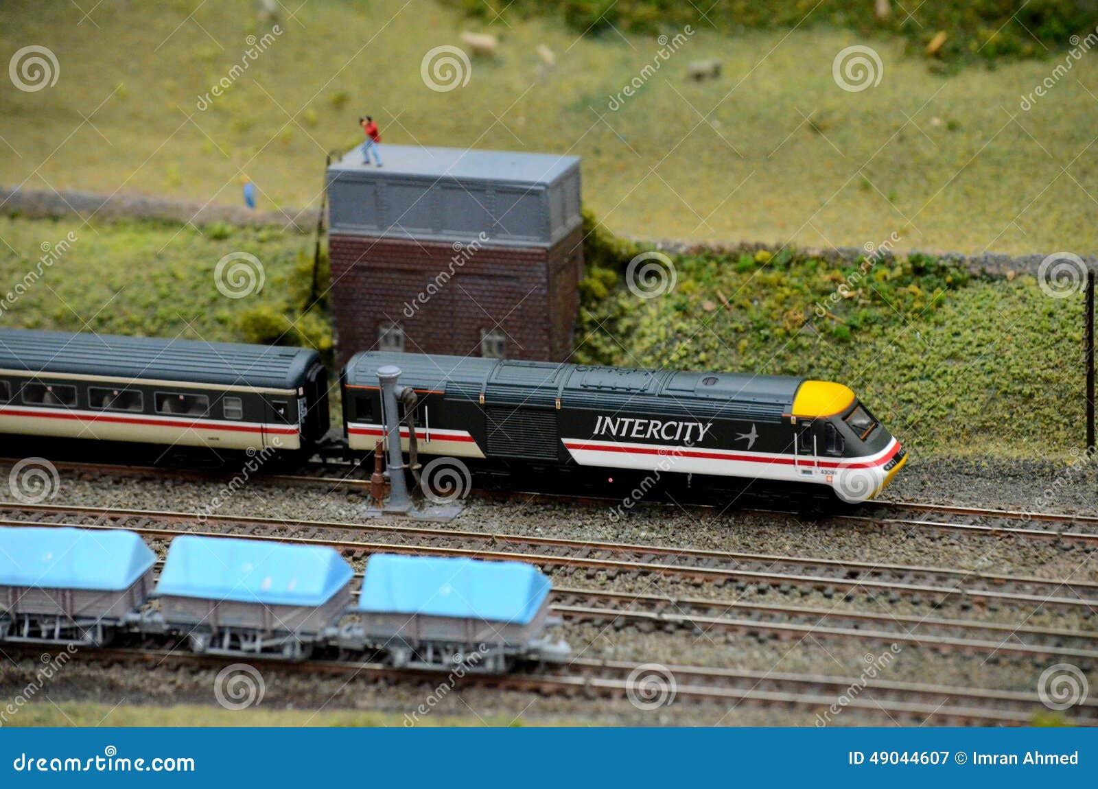 Βρετανικές intercity πρότυπες μηχανή και μεταφορά τραίνων σιδηροδρόμων