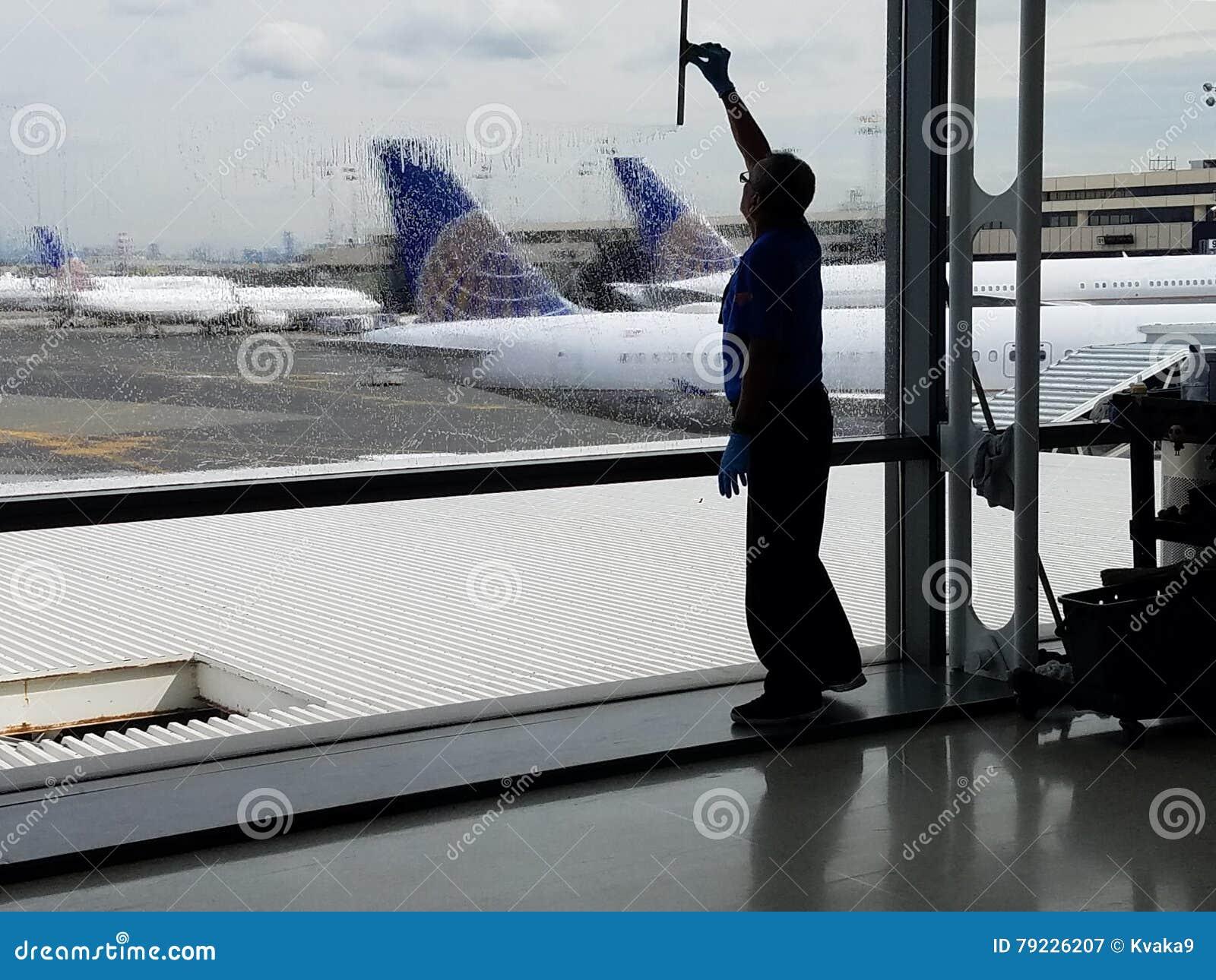 Βροχερές καθυστερήσεις ημέρας και πτήσης - καιρικές καθυστερήσεις αεροπλάνων