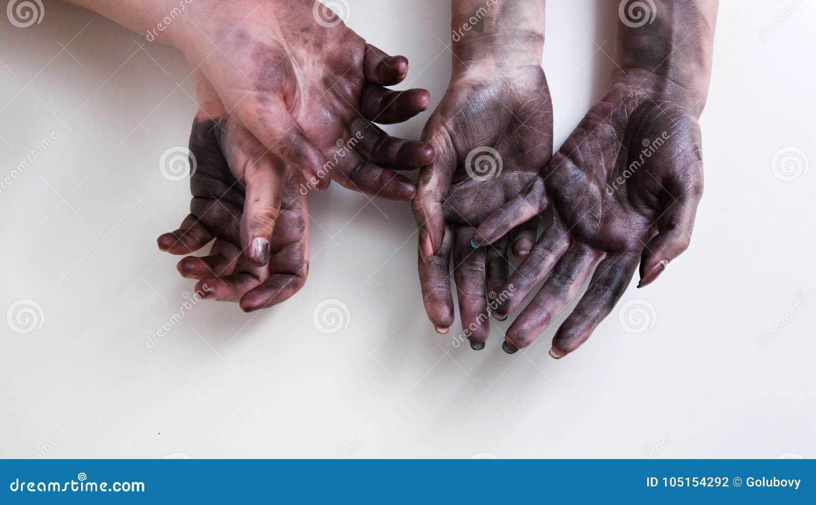 Βρώμικος φεμινισμός χειραφέτησης εργασίας γυναικών χεριών σκληρός