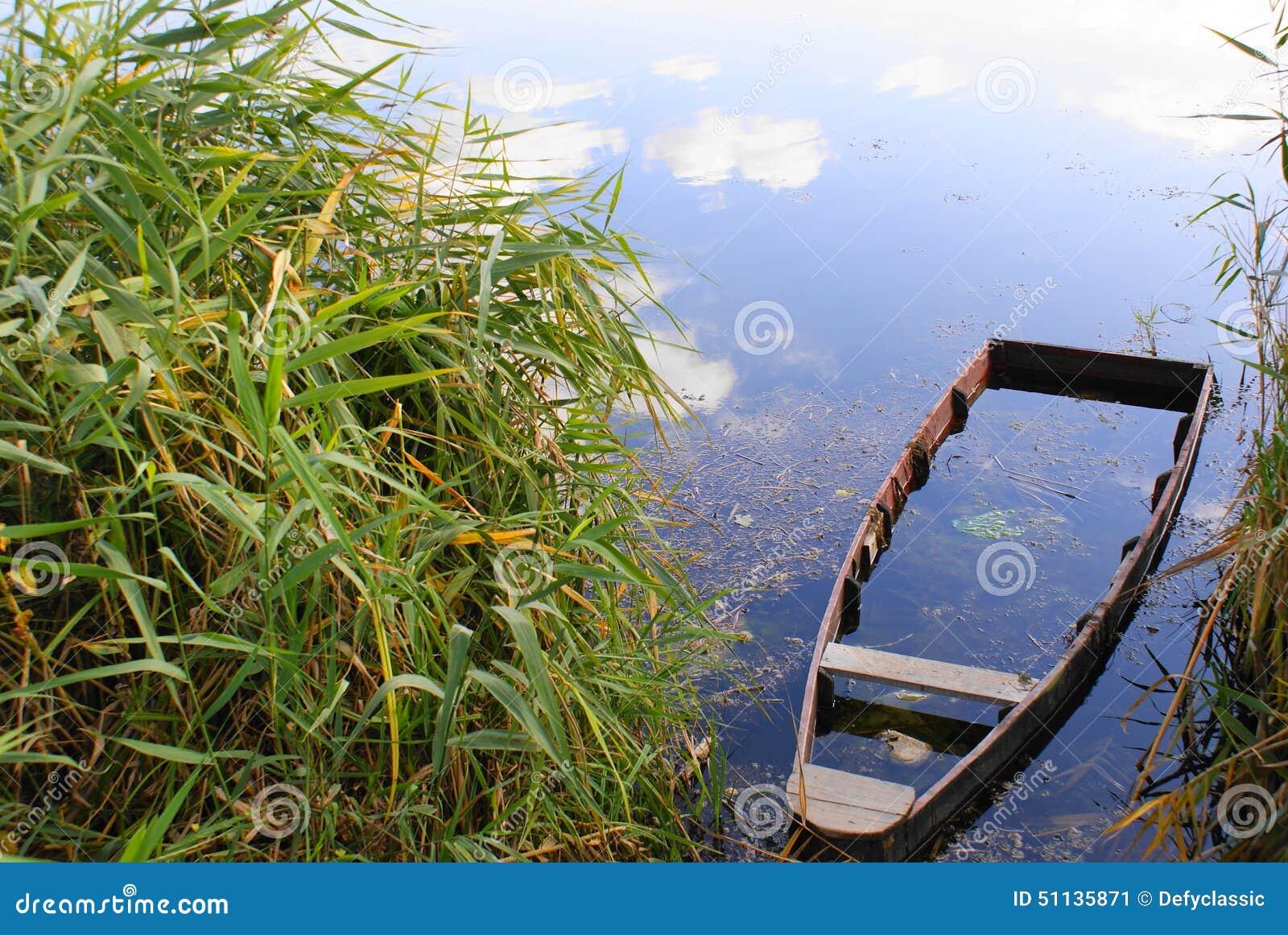 Βυθισμένη βάρκα