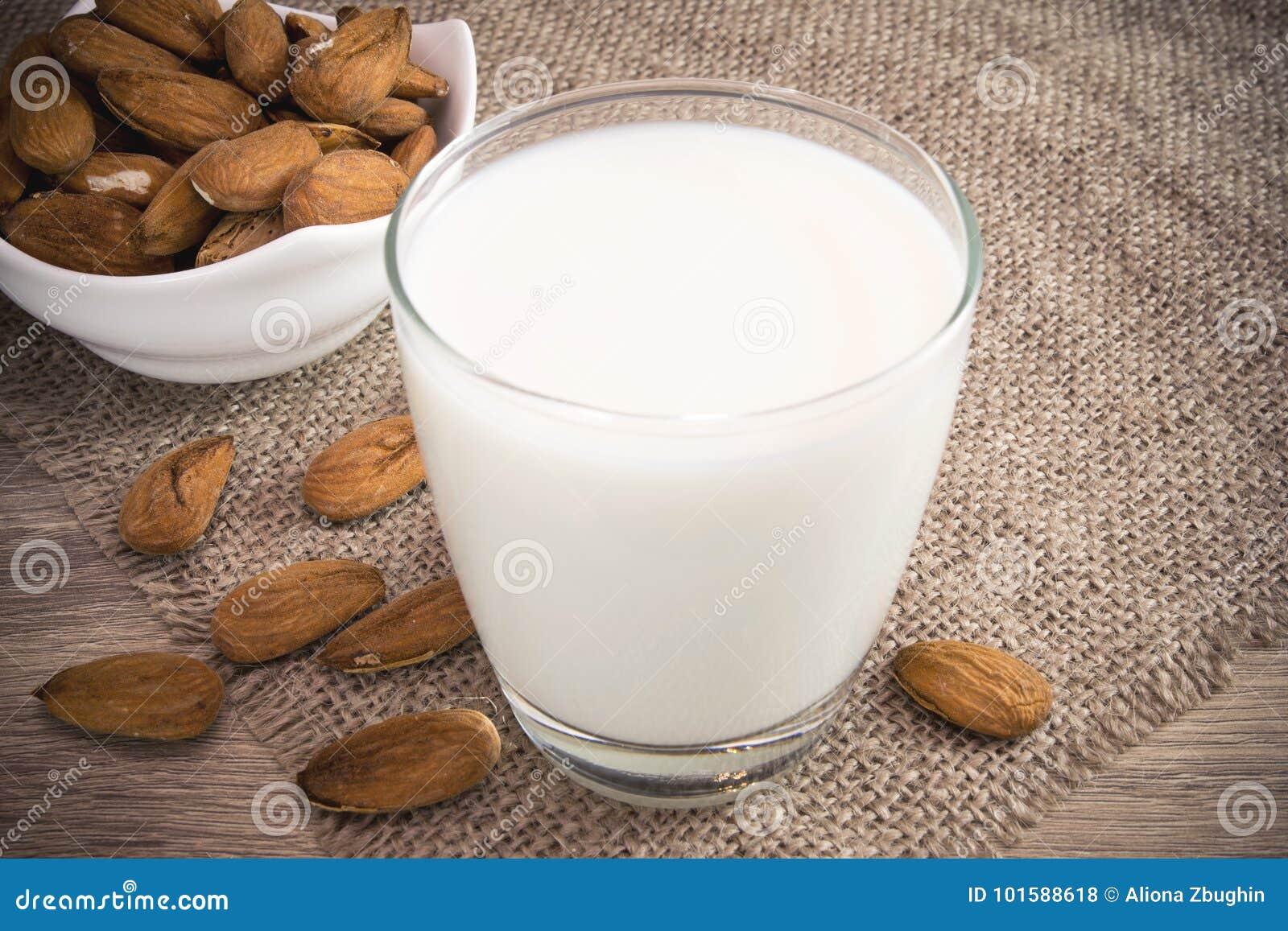 Γάλα αμυγδάλων