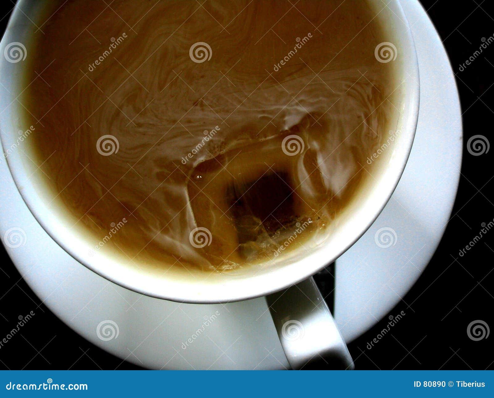 γάλα φλυτζανιών καφέ