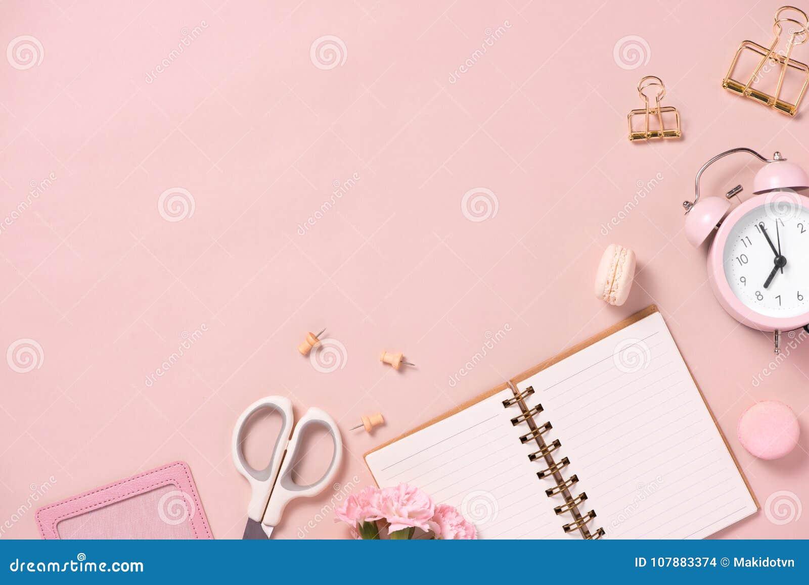 Γάμος για να κάνει τον κατάλογο με τα λουλούδια Το επίπεδο αρμόδιων για το σχεδιασμό προτύπων βρέθηκε