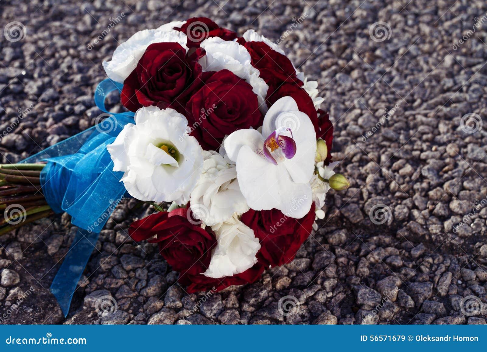 Download γάμος πρώτου πλάνου εστίασης 3 ανθοδεσμών Στοκ Εικόνα - εικόνα από bazaars, φρέσκος: 56571679