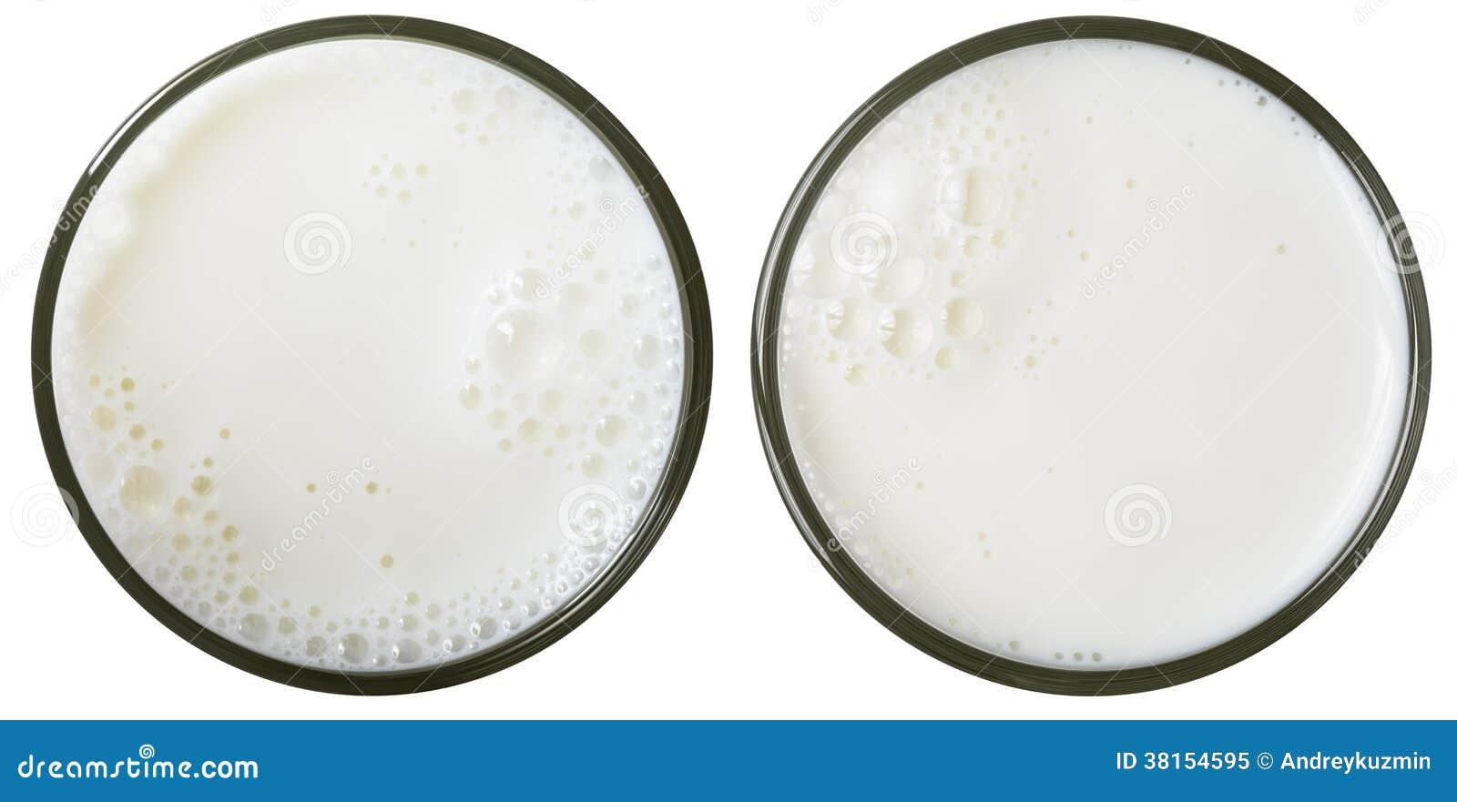Γάλακτος γυαλιού άποψη που απομονώνεται τοπ