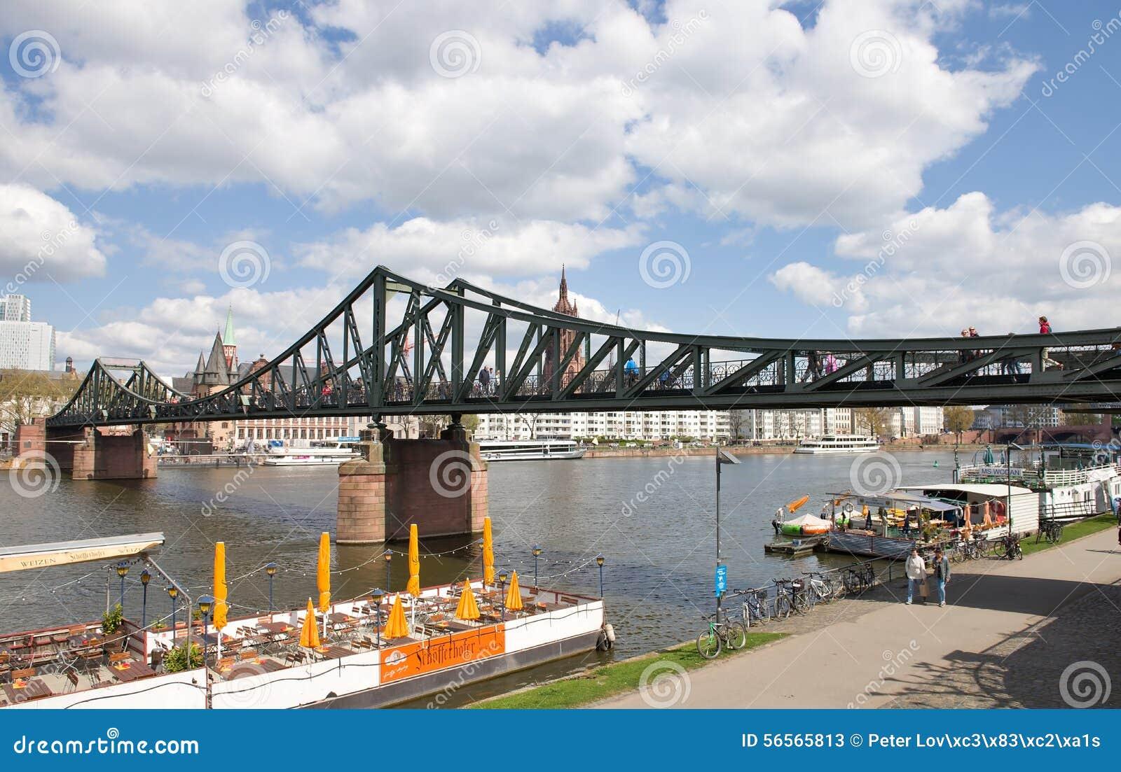 Download Γέφυρα για πεζούς της Φρανκφούρτης Εκδοτική Στοκ Εικόνες - εικόνα από cathedral, γερμανικά: 56565813
