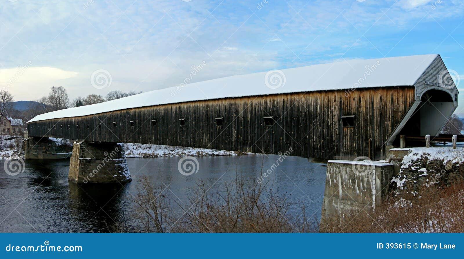 γέφυρα που καλύπτεται