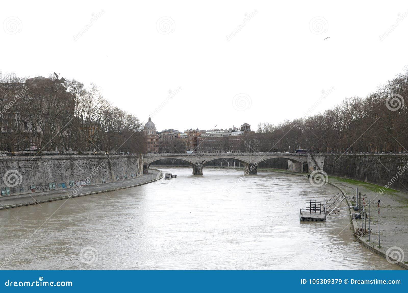 Γέφυρα στην καρδιά της Ρώμης