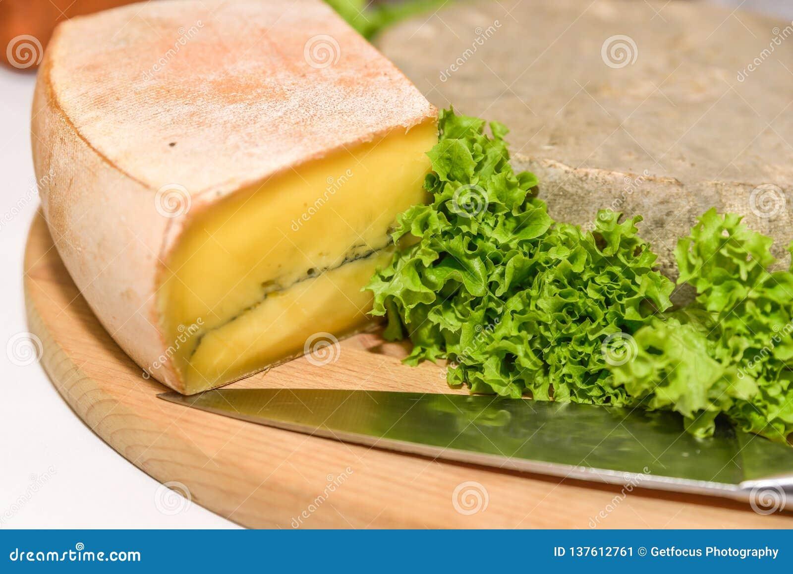 Γαλλικό τυρί με τη σαλάτα