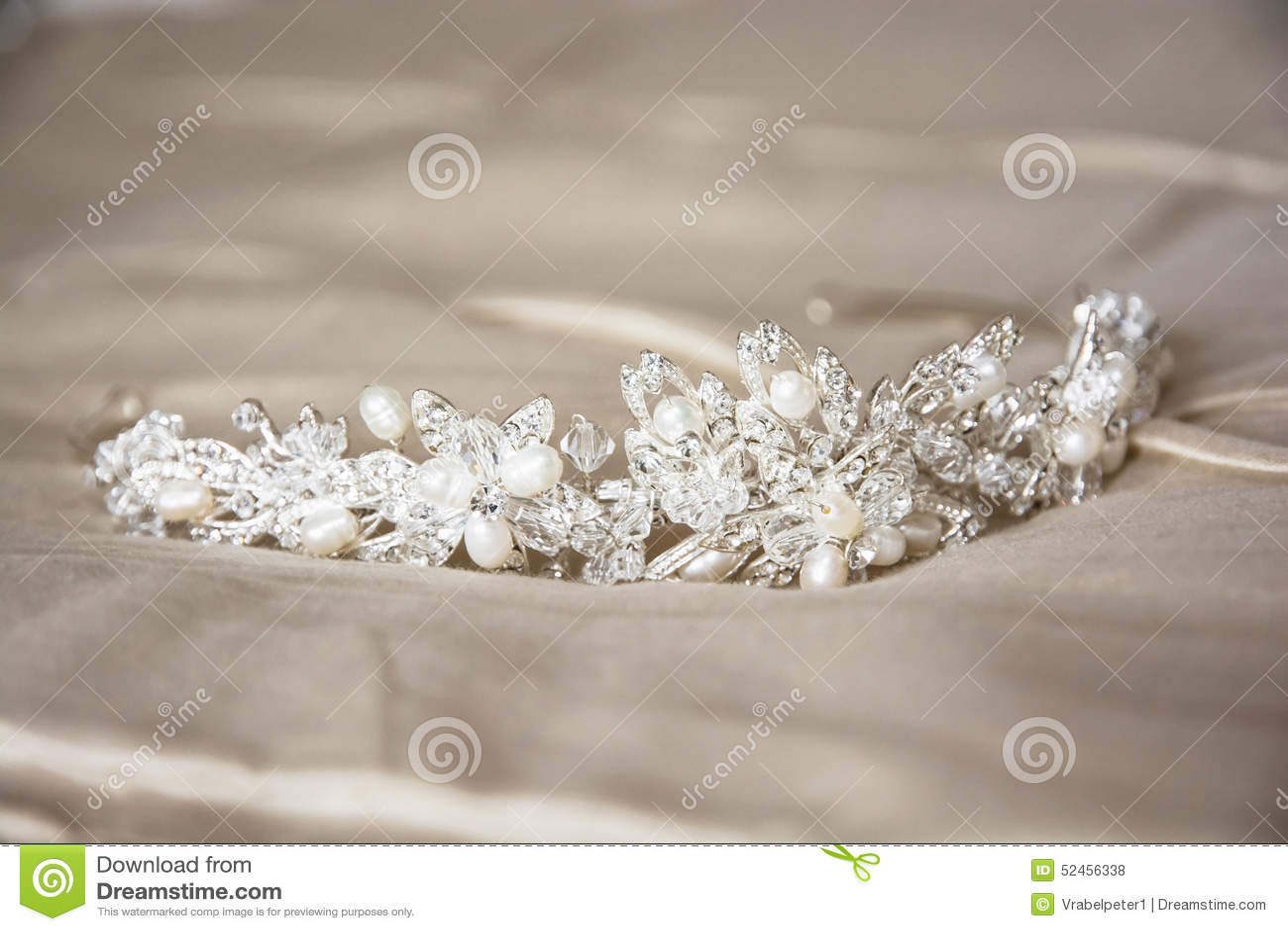 Γαμήλια τιάρα