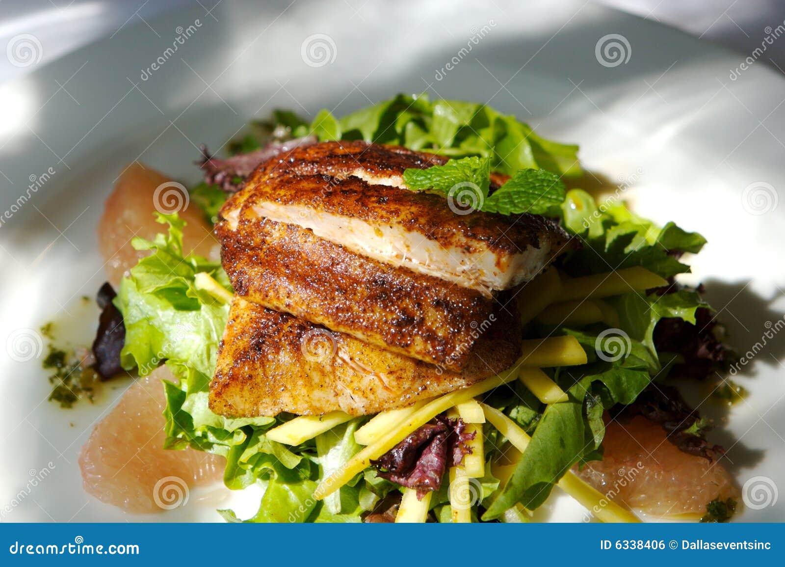 γαστρονομική σαλάτα ψαρ&iota